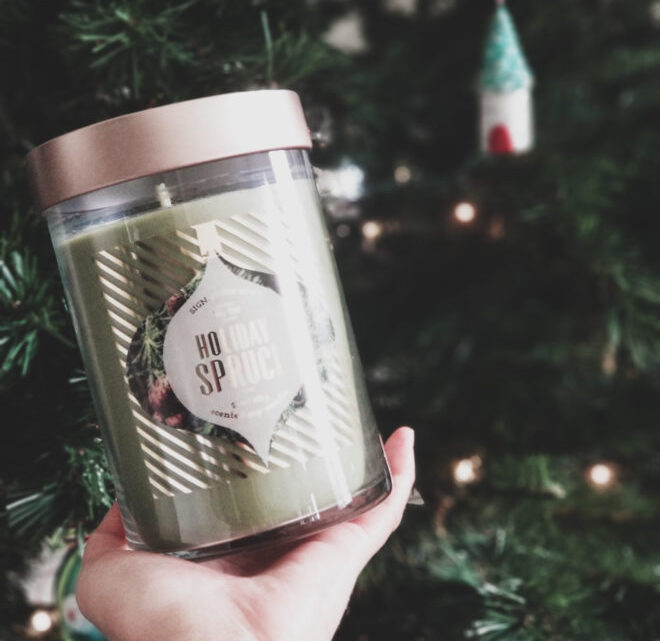 simple christmas decor in the family room Christmas soy candle