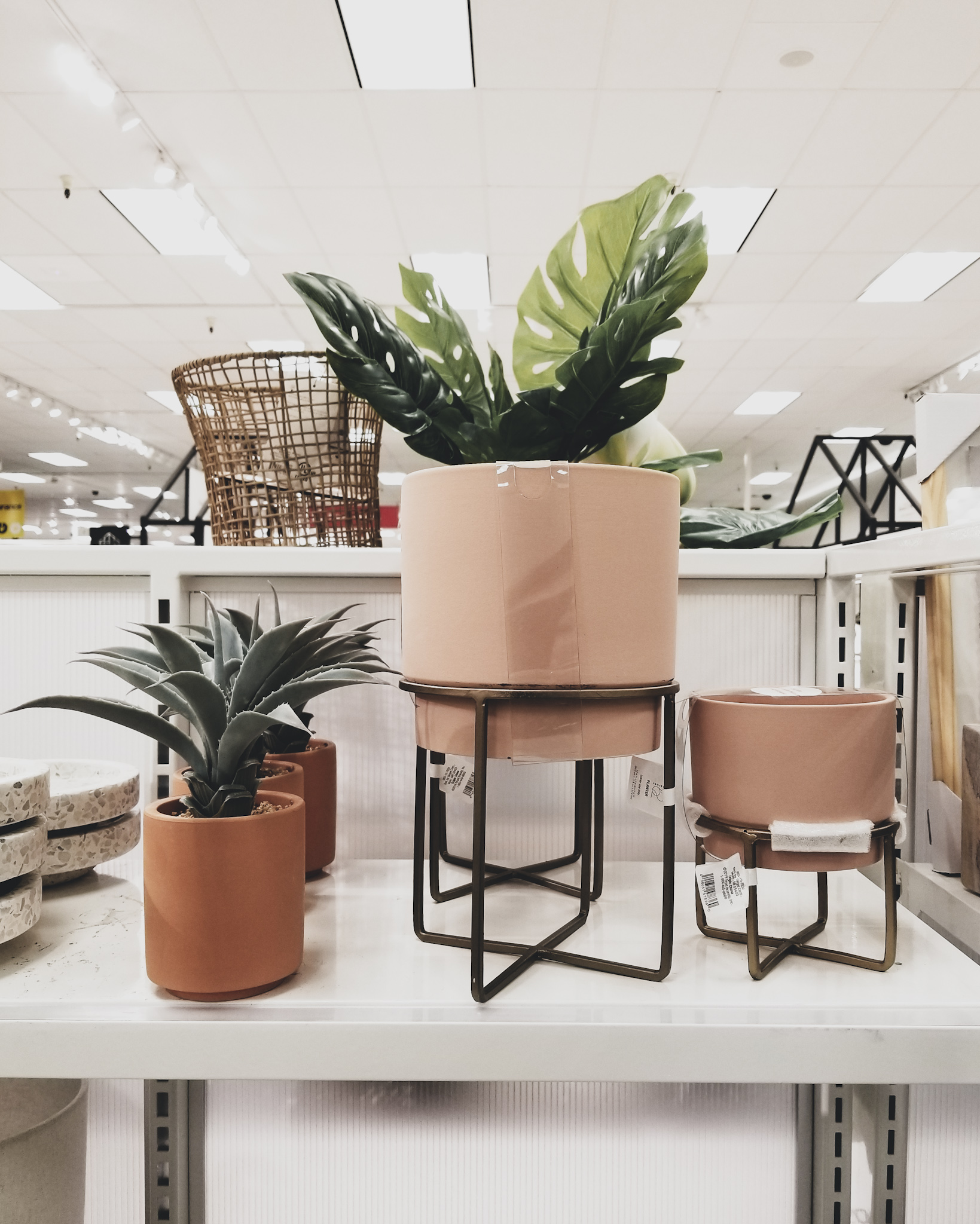 Target Fave Finds This Week Mid-Century Modern Planters